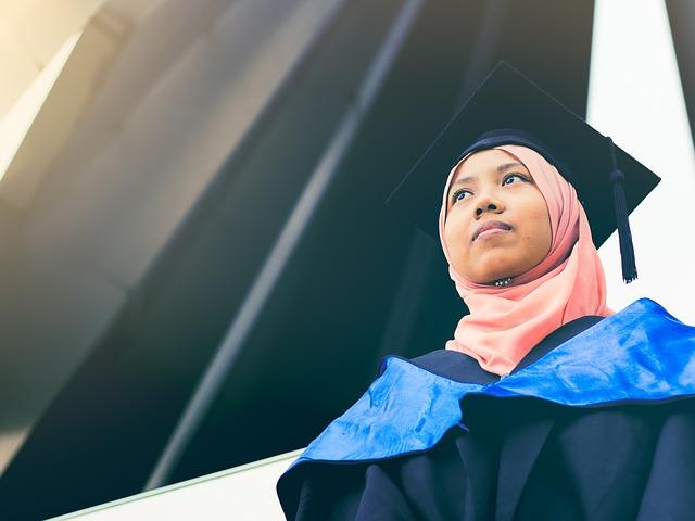 body_graduation_student