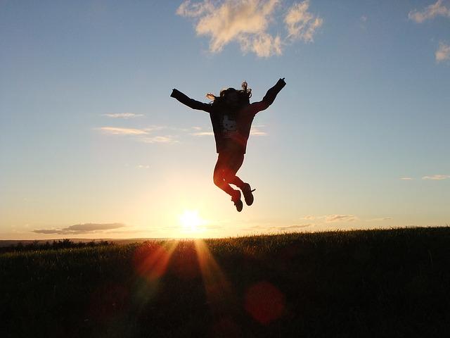 body_jumping_happy_success